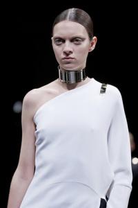 givenchy-verano-collar