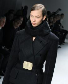 Ralph-Lauren-y-Calvin-Klein-cierran-con-estilos-opuestos-la-Semana-de-la-Moda-de-Nueva-York-832x1024