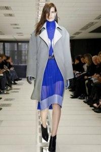vestido-corto-azul-transparencias-balenciaga-otono-invierno-2012-2013