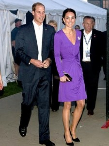 2011-07-06-10-37-49-5-kate-looks-feminine-in-a-long-sleeved-purple-issa
