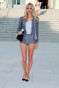 35684_tikipeter_poppy_delevigne_chanel_collection_croisiere_show_009_123_139lo