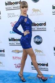 45650-taylor-swiftt-la-reina-azul-de-los-premios-billboard-music-awards