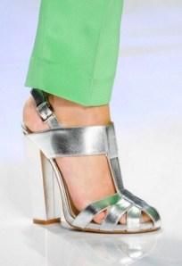 Foto21-Etro-Zara-Zapatos-Clones-Tendencias-Primavera-Verano2013-glamgodu