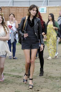 46b10fd999fa8f67_alexa_chung_quilted_leather.preview