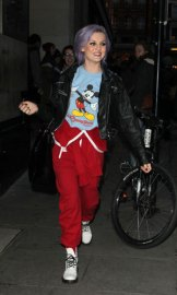 perrie-edwards-mickey-mouse-top