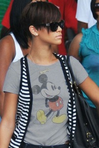 rihanna-and-jr-mickey-mouse-t-shirt-gallery