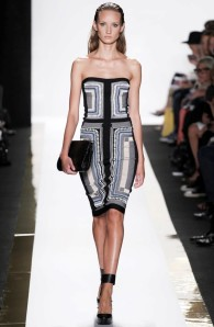 herve_leger_by_max_azria_pasarela_460259583_683x_Fotor_Collage