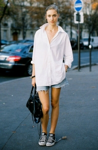 shorts-y-camisa-blanca-fashionisima