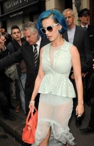 katy-perry-culotte-fashion-week-3164_w1000