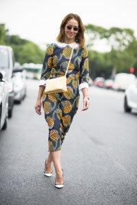 Fresh-pineapples-felt-right-home-streets-Paris-when
