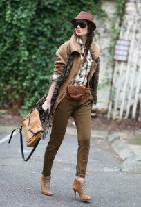 zara-pale-brown-pants~look-index-middle