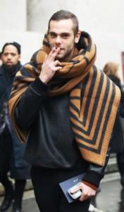 louis-vuitton-blanket-scarf-milan-fashion-week-menswear-street-style-2013