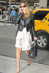 celebrities-in-cropped-jackets-jessica-alba